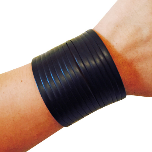 The James in black vegan leather. Compatible with  Fitbit Flex, Fitbit One or Avia Aspire Trackers. Funktional Wearables. $44.