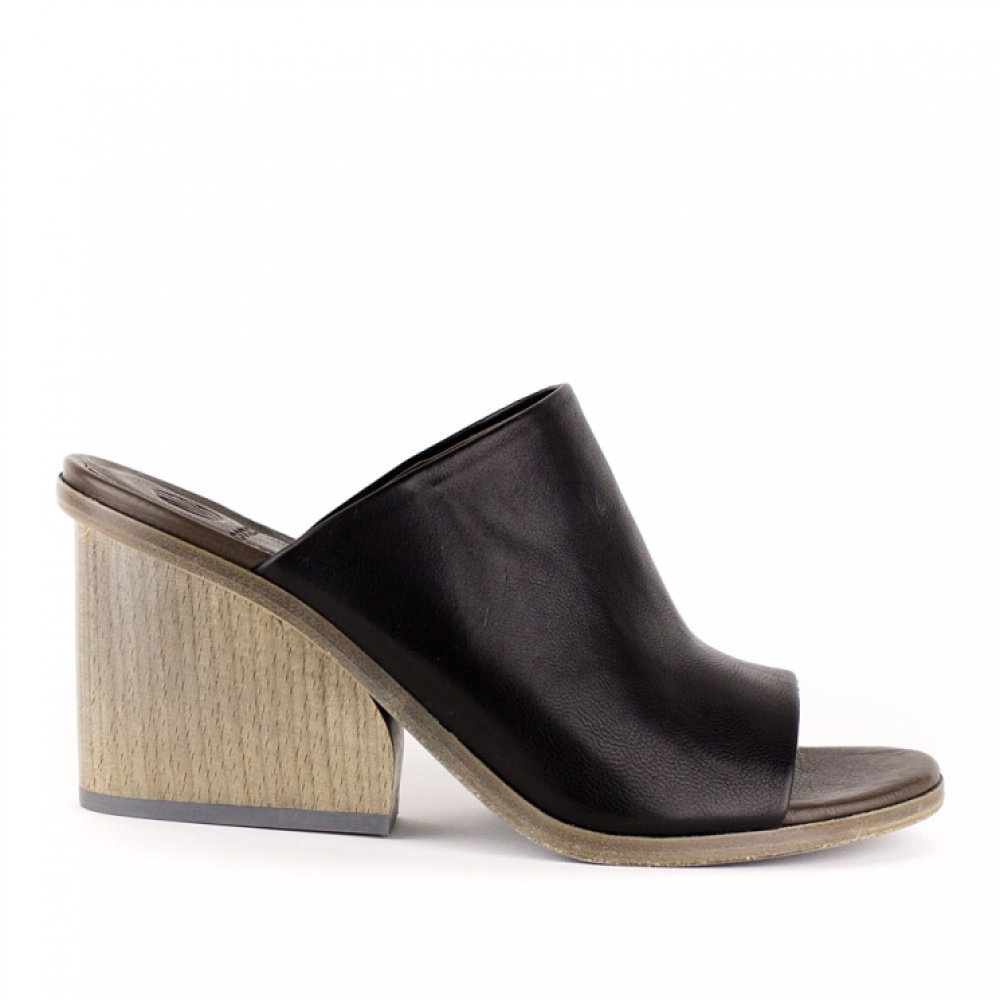 Coclico Aneme Black Slide. re-souL in Ballard. Was: $368 Now: $189.