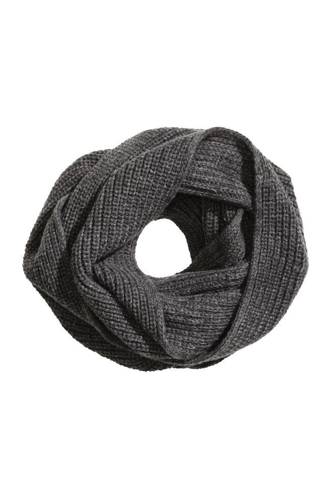 Rib-knit Tube Scarf. H&M. $12.