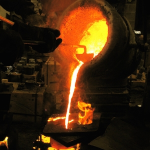 Hot Pour aluminum demonstrations by sculptor  Jim williams