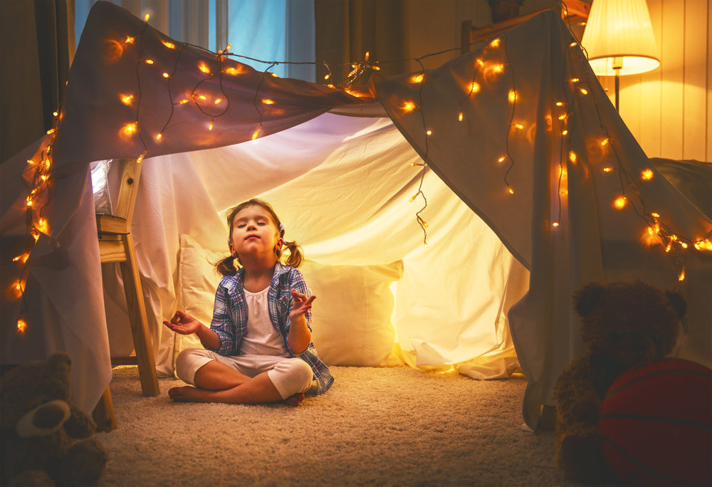 girl_meditating-relaxation-stars.jpg