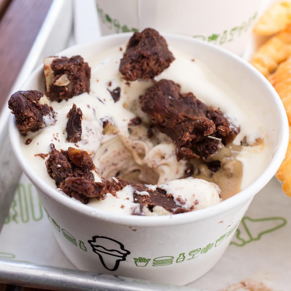 Vanilla concrete with chocolate fudge hazelnut brownie and peanut butter.