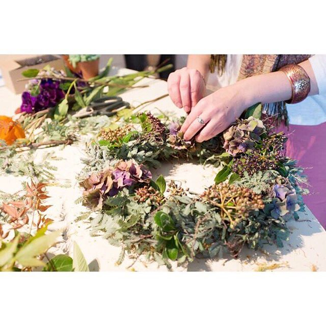 W O R K S H O P! Festive wreath making workshops now up on the website! 8th & 15th December - book early as places are limited 🎄Link in bio