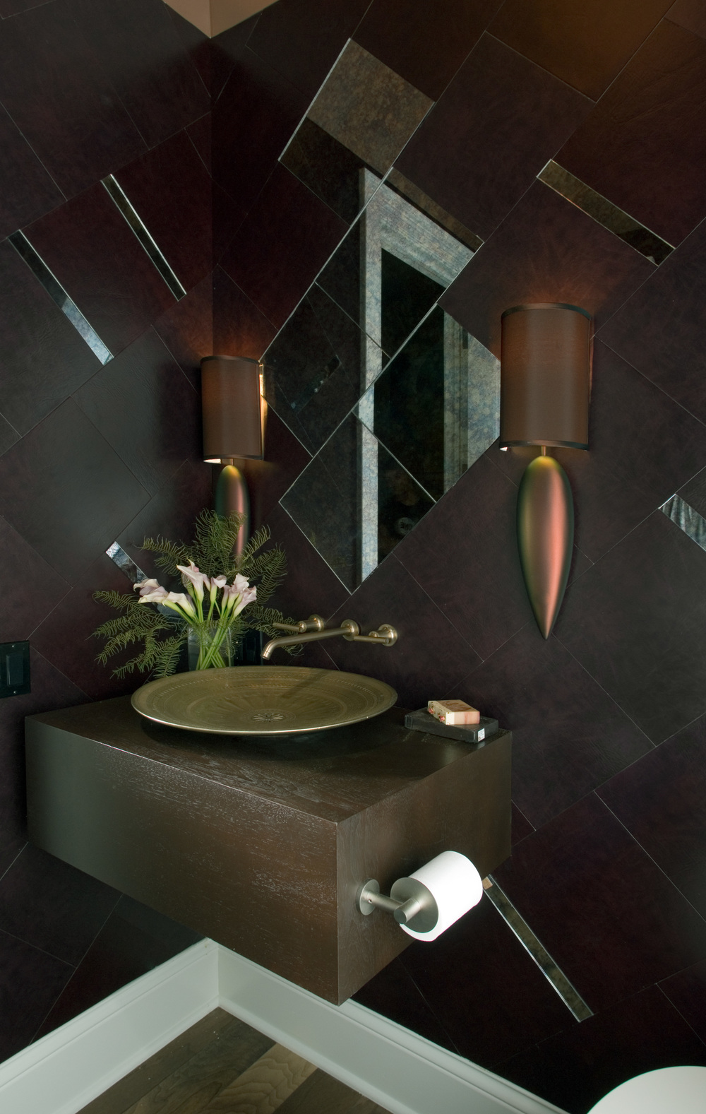 EcoDomo - Recycled Leather - bathroom novelli photo - design susan friedman 2008.jpg