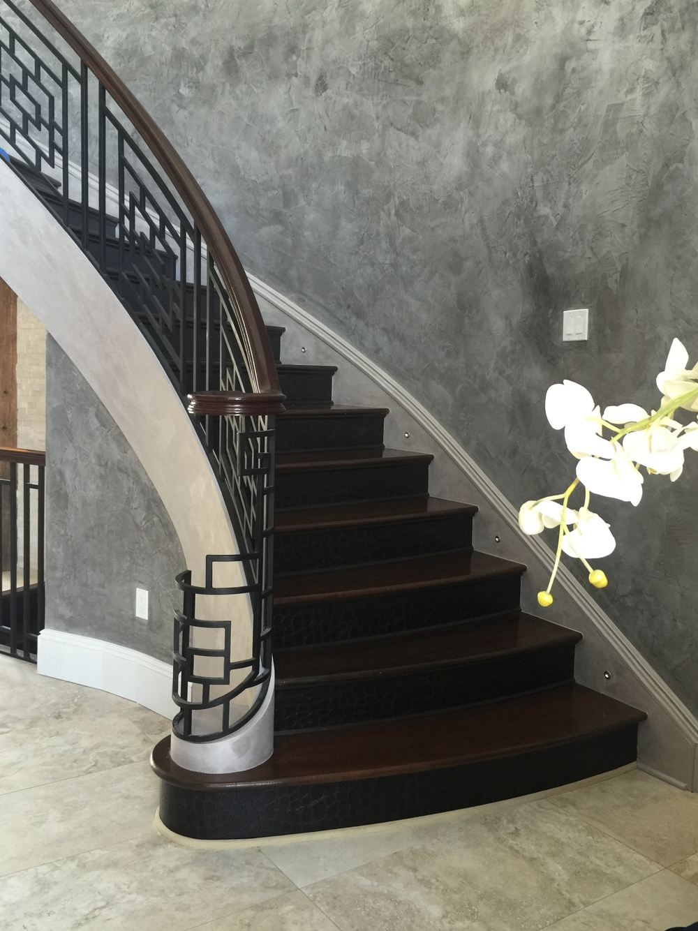 EcoDomo - Jumbo Croc Bourbon - Residential stairs 2.JPG
