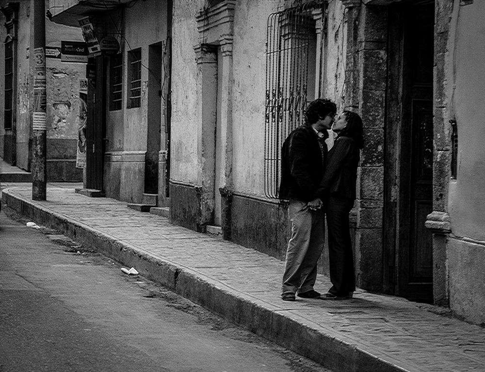 A couple on Jiron Arequipa