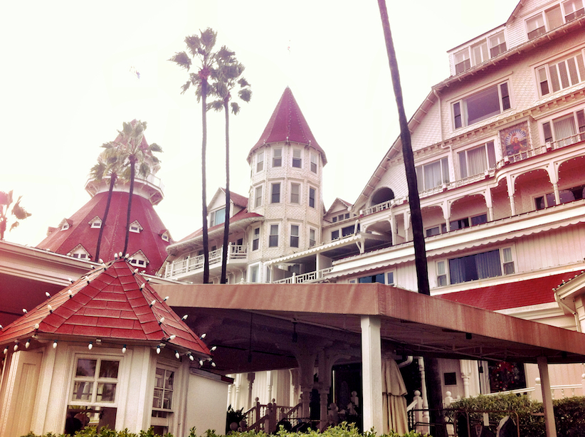 It started to Drizzle so we ventured inside the Hotel del Coronado.