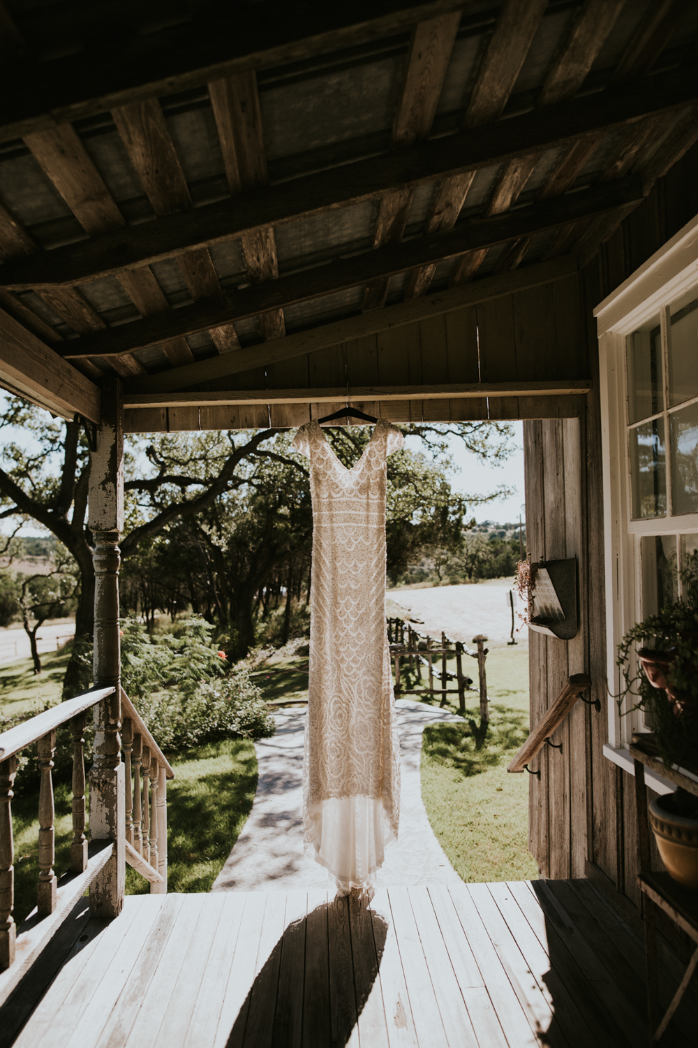 Rustic Ranch Wedding Photography - Diana Ascarrunz Photography - Austin Wedding Photographer-8.jpg