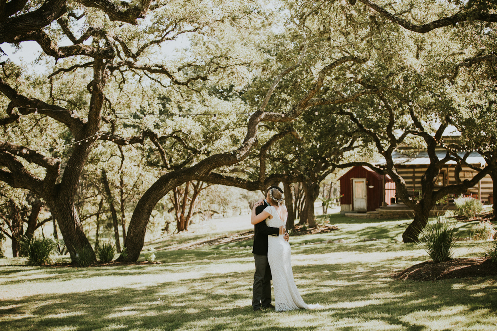 Rustic Ranch Wedding Photography - Diana Ascarrunz Photography - Austin Wedding Photographer-29.jpg