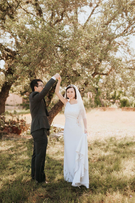 Bride and groom at Texas Chapel Dulcinea wedding