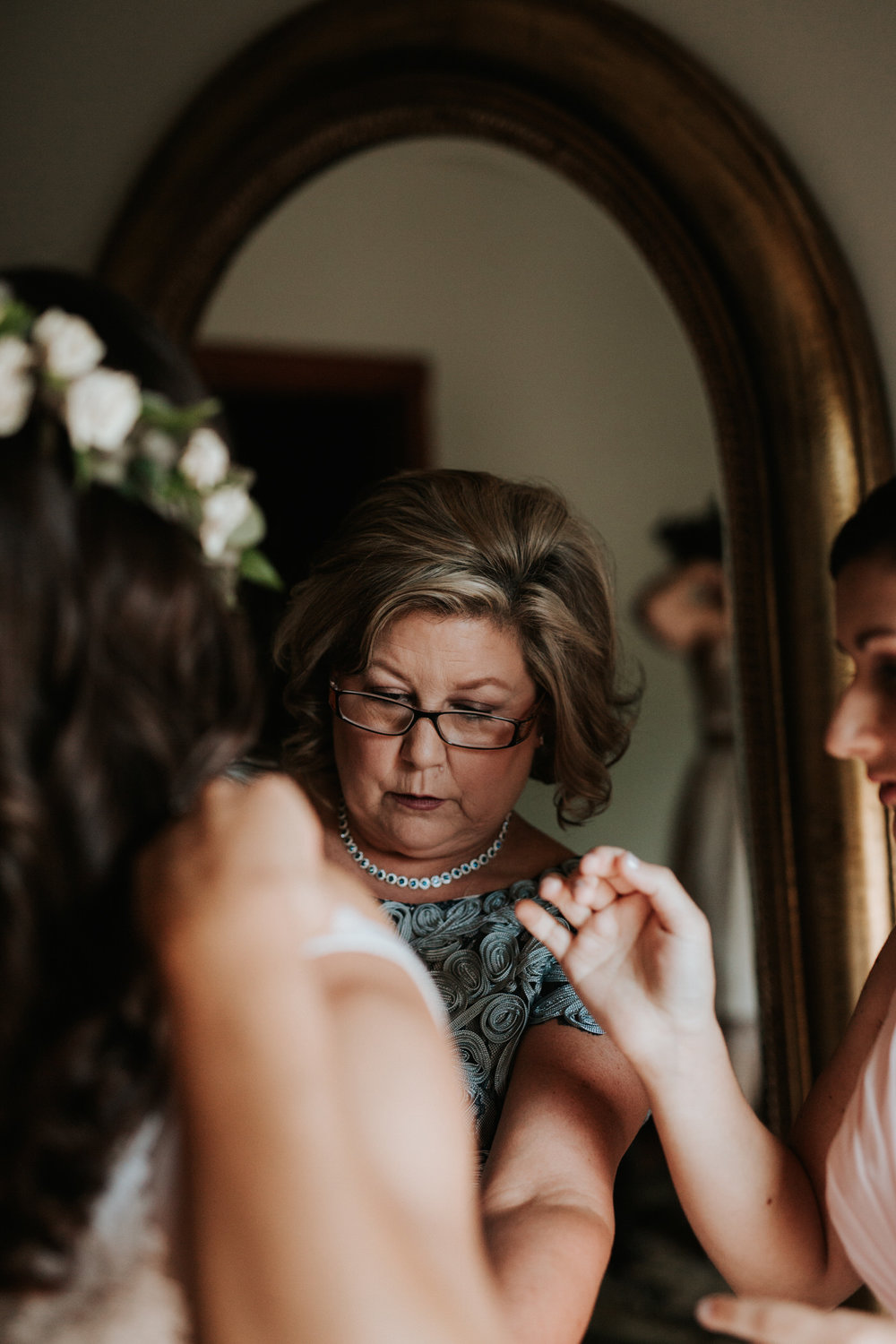 Bride getting ready for wedding at Thurman's mansion