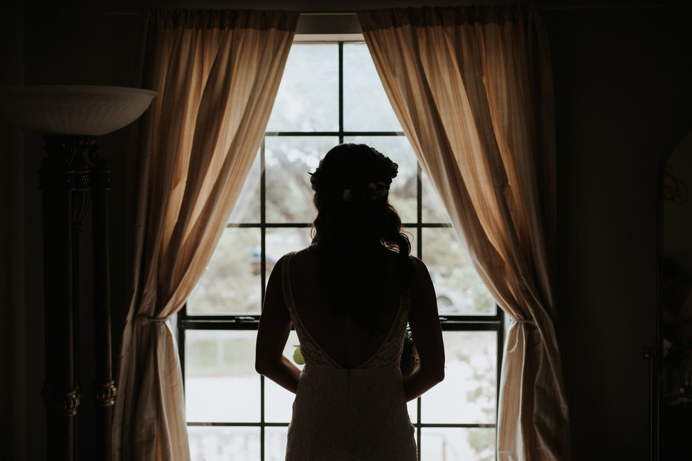 Bride before wedding at Thurman's mansion