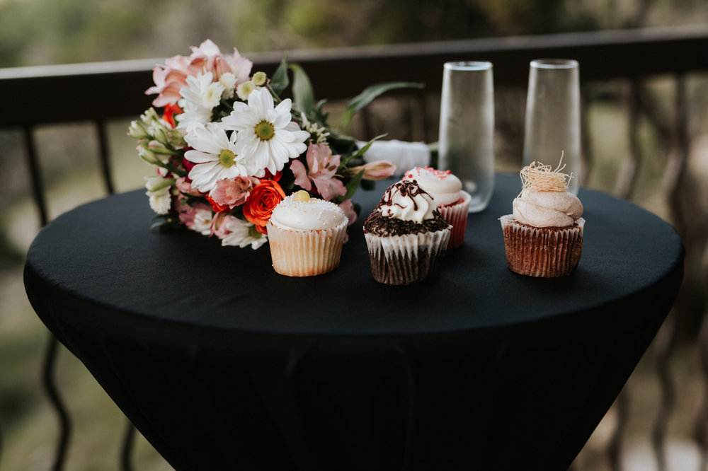 Cupcakes at Chapel Dulcinea wedding