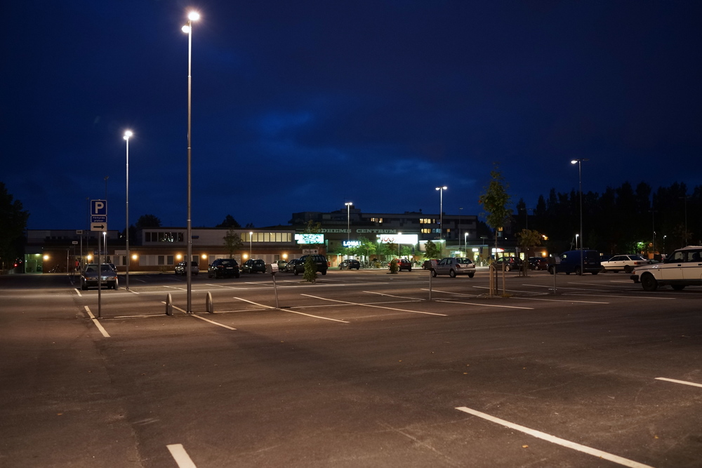 The car park in front of Ålidhem Centrum could be featured in any kind of Zombie film.