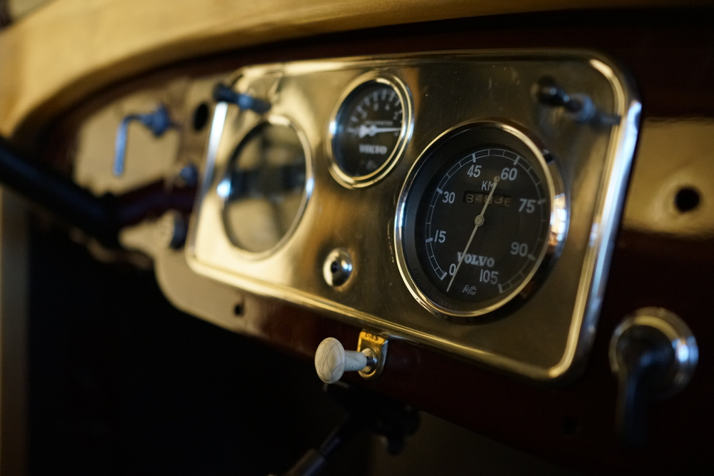 The truck interface (or main instrument panel) of a Volvo truck produced in 1958 (Model: LV150). I really like the simplicity and quality of materials used.