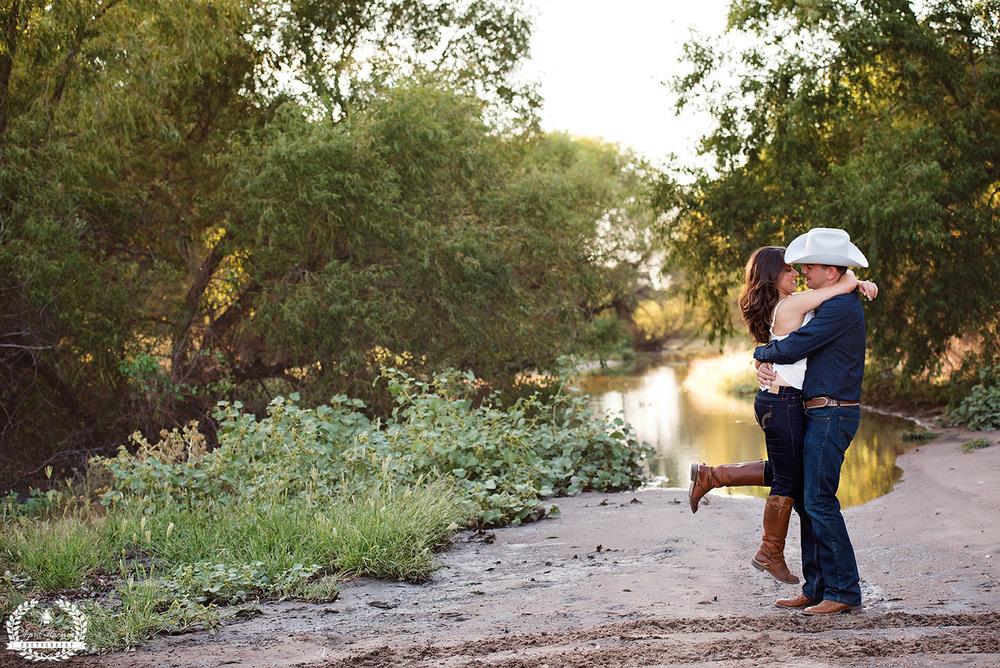 engagement-photography-southwest-ks-16.jpg