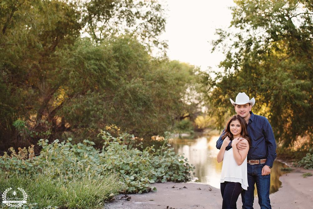 engagement-photography-southwest-ks-17.jpg