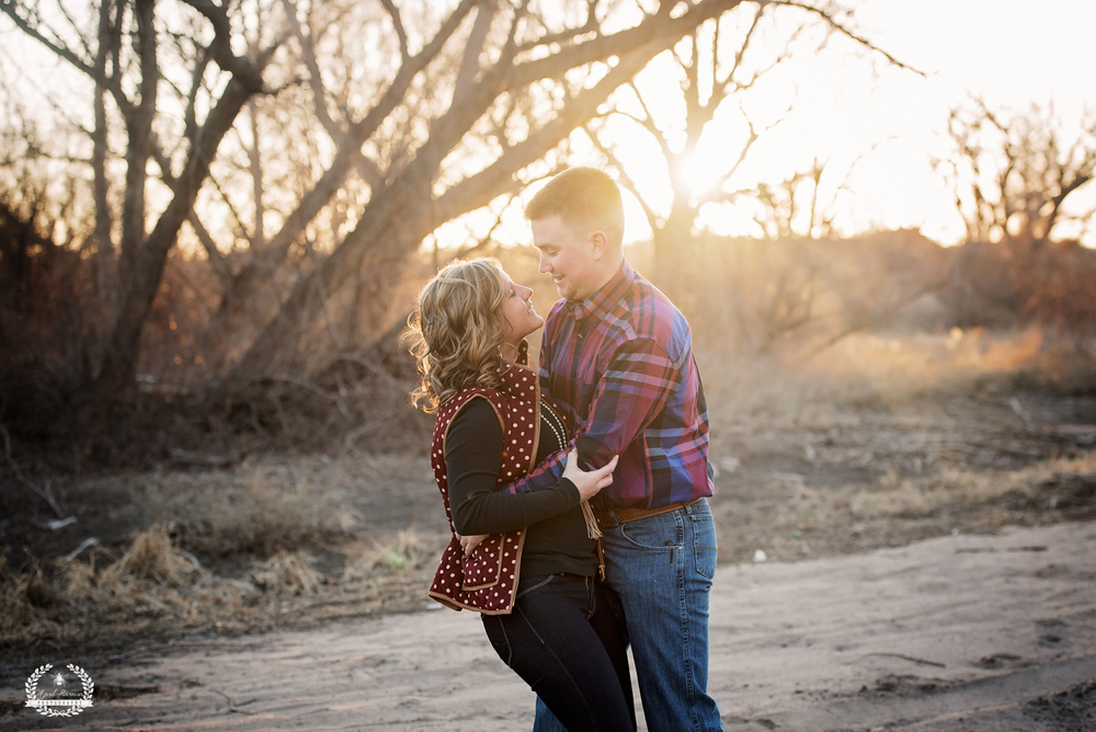 southwest-kansas-engagement-photography24.jpg