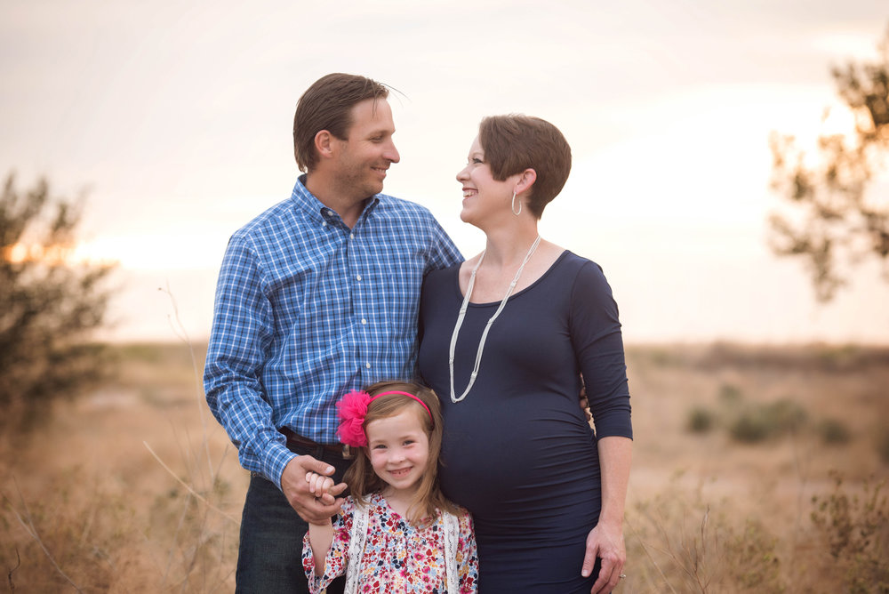 southwest-kansas-maternity-photography3.jpg