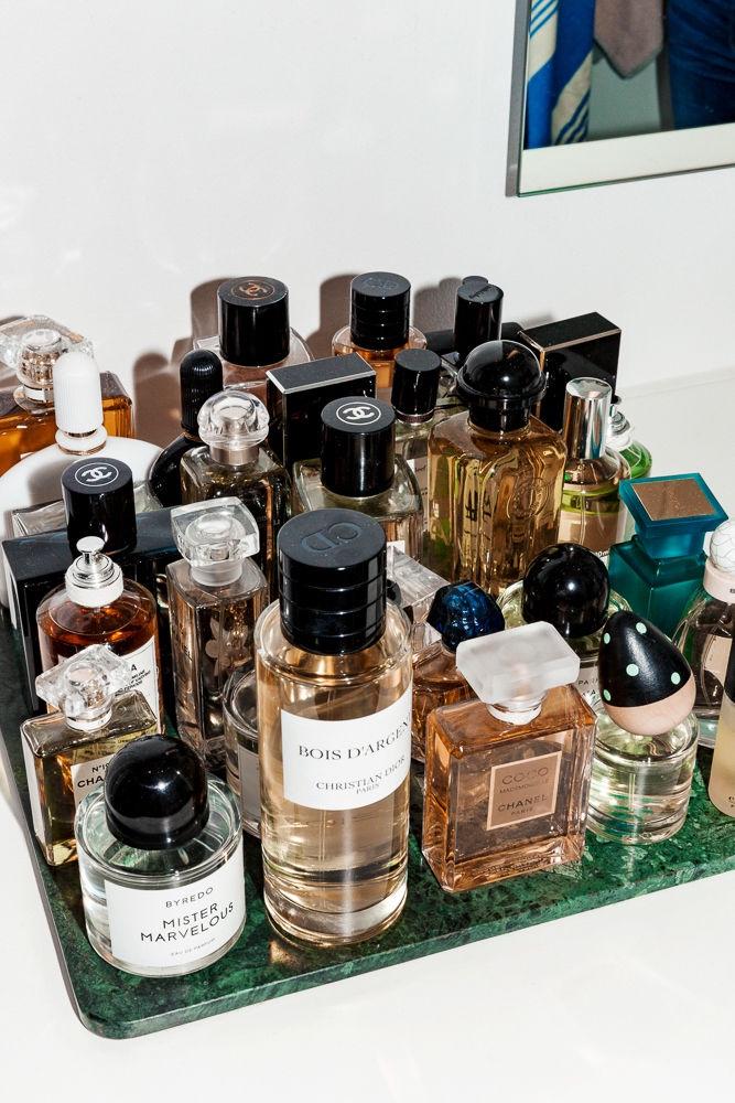 thefashioncuisine-fashion-blogger-moodboard-tumblr-vintage-perfume-frangrance-bottles.jpg
