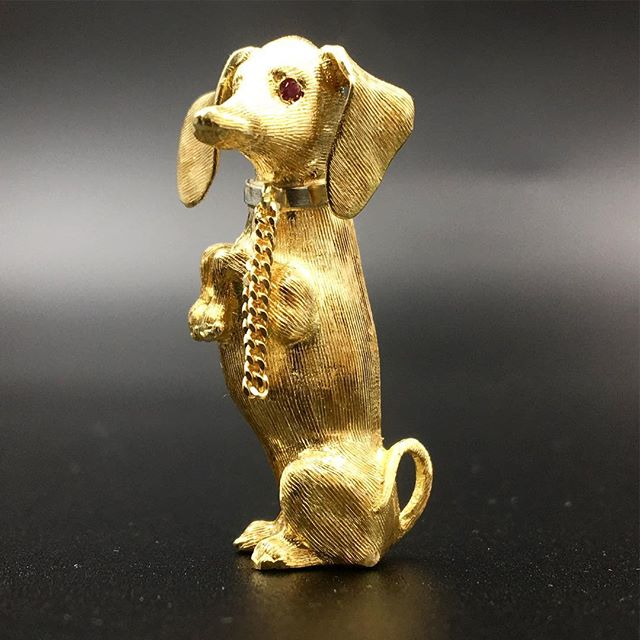 Awesome Dachshund Brooch! #brooch #pin #1950s #jewelry #vintage #18k #jewelrylover