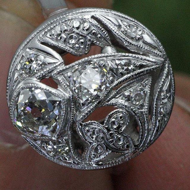Here's a true beauty! Old Euro cut diamonds 💎 #antique #antiquering #diamond #diamondring #pawn #pawnshop #worldpawnexchange