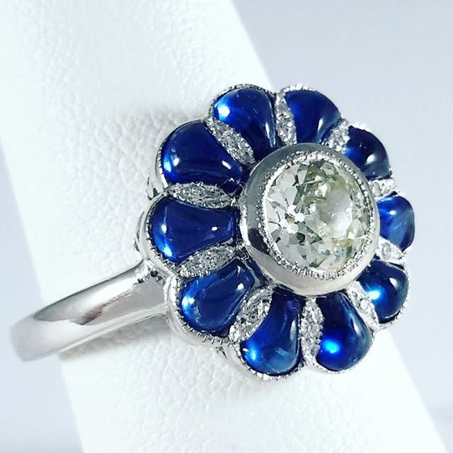 Don't you just love this design? #sapphire #diamond #platinum #pt950 #cabochon #ring #pawn #pawnshop #worldpawn