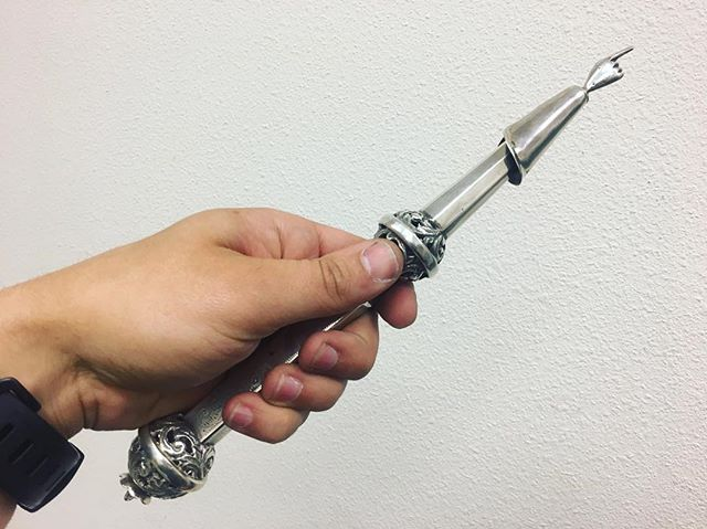 Ever seen one of these? It's sterling silver, and it's called a Yad Torah Pointer. You use it to point at text in the Torah scripture. This was to avoid damaging the scroll and smearing the ink. #torah #jewish #yad #torahpointer #scepter #antique #interesting #artifact #pawn #pawnshop #worldpawn #coosbay #northbend #oregon