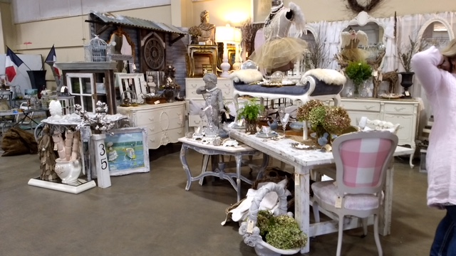 EACH BOOTH IS GORGEOUS! THIS IS NOT A FLEA MARKET BUT THERE ARE STILL AMAZING FINDS AND PRICES!