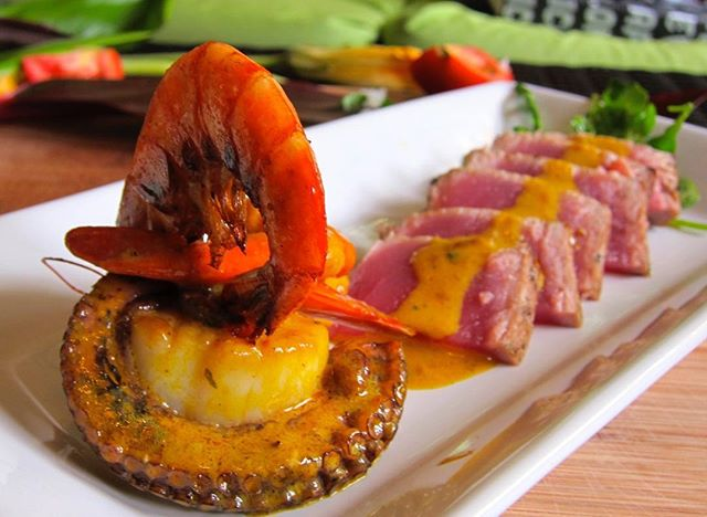 Lunch never looked so good @waimeavalleyoahu #lobster #scallop #octopus #forwardroll #fresh #fromthesea #waimeavalley