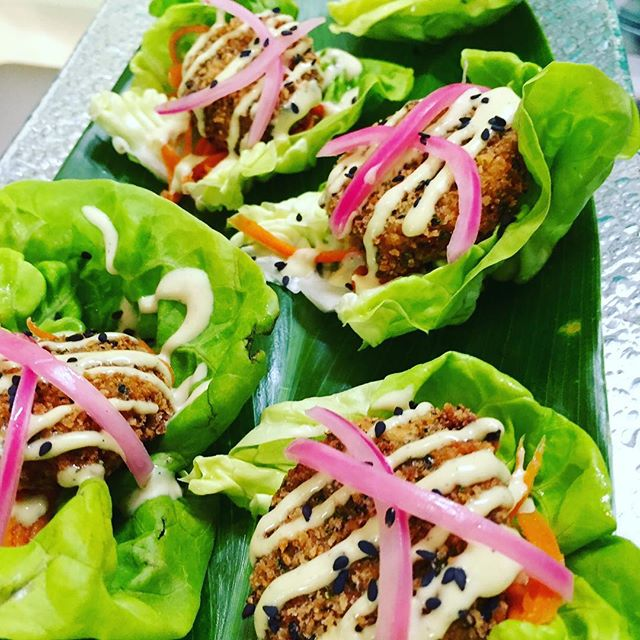 Kalua Pig Torchion Butter Lettuce Cups with Chinese Mustard Aiolí and Pickled Vegetables.  #oahucaterer #kenuikitchen #islandcuisine #weddingfood #luckywelivehi #destinationweddings #cateringevent #hawaiifoodie #hawaiiwedding #northshoreoahu #oahuhawaii #kaluapork #farmtotable