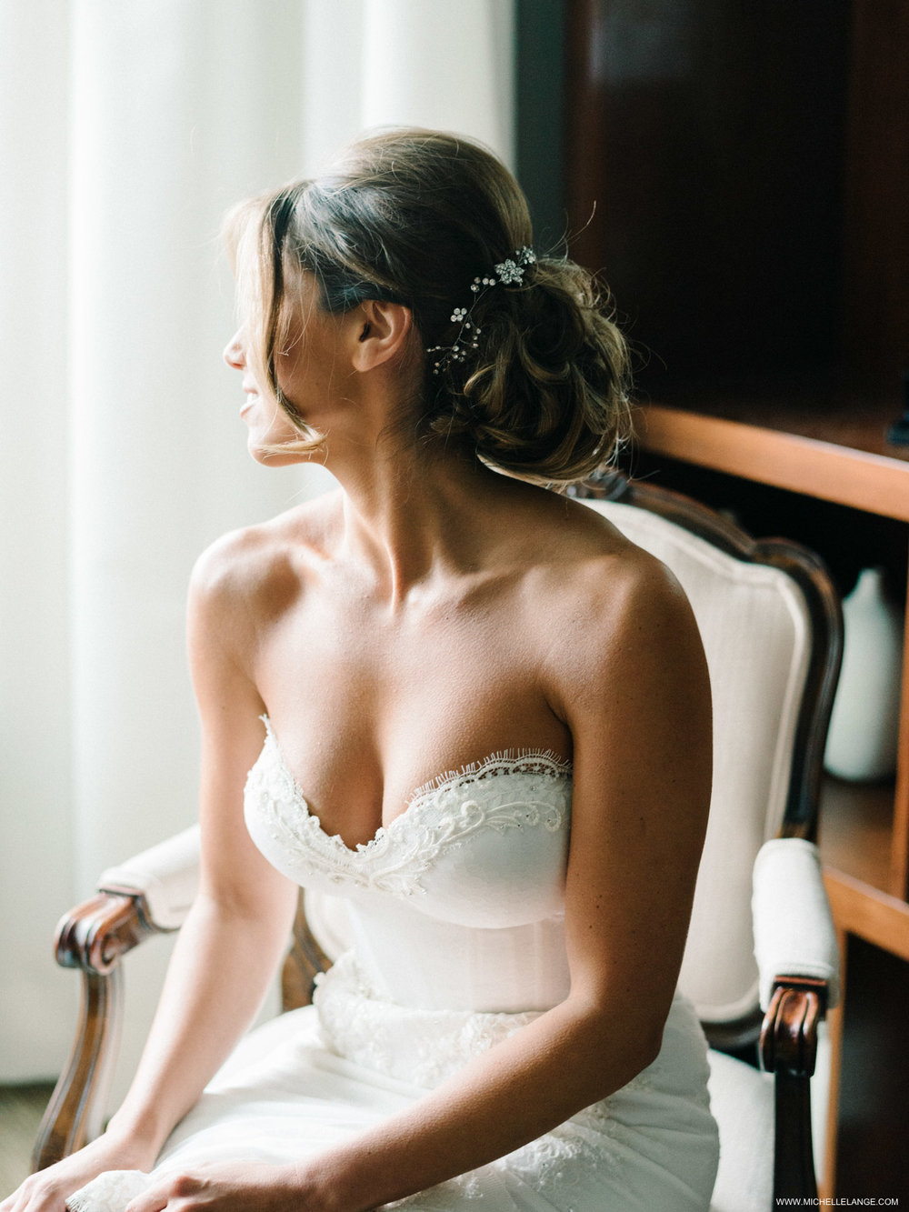NY Wedding Photographer Classic Bride