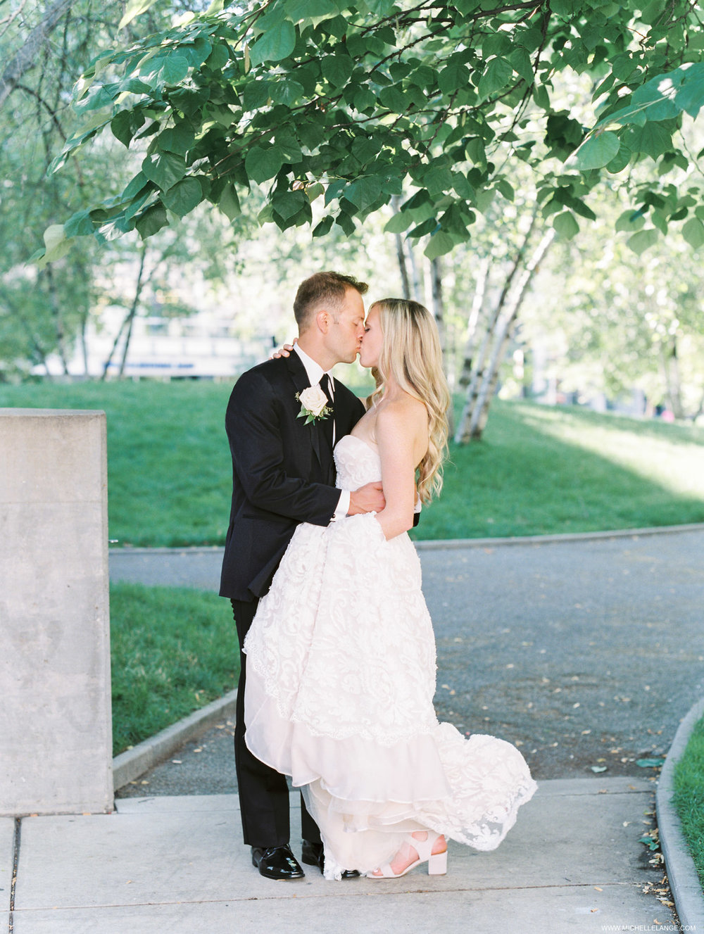 Grand Rapids Art Museum Michigan Wedding