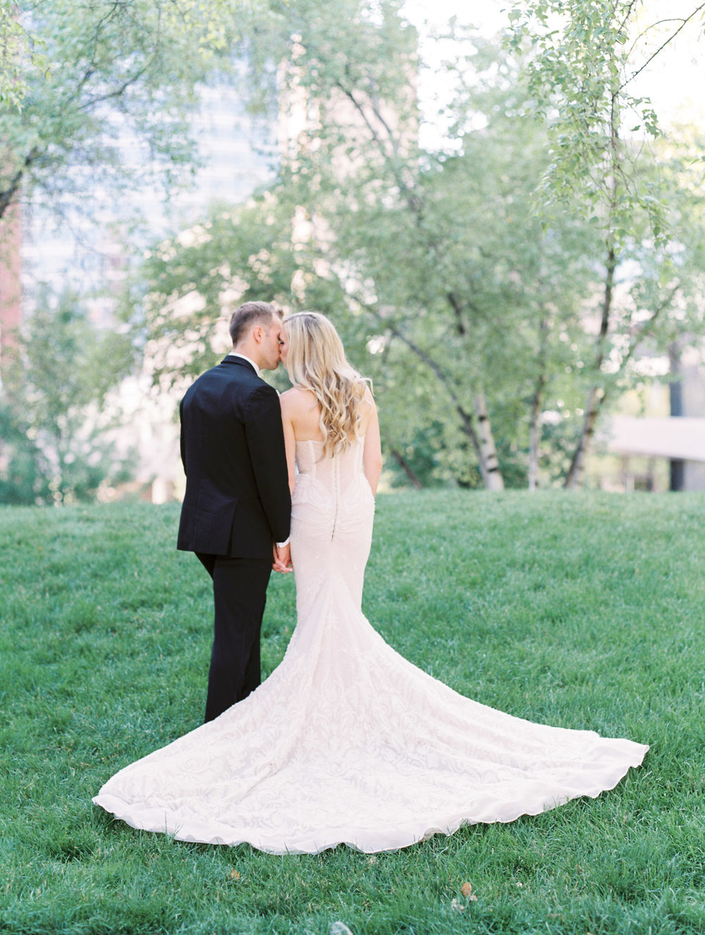 Grand Rapids Michigan Wedding by Michelle Lange Photography-37.jpg