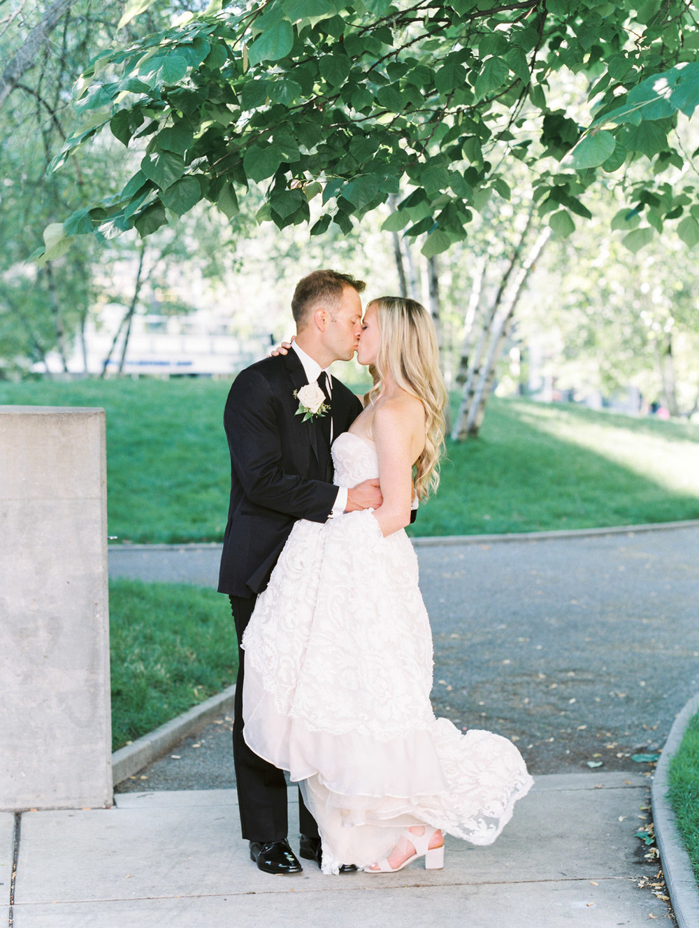 Grand Rapids Michigan Wedding by Michelle Lange Photography-38.jpg