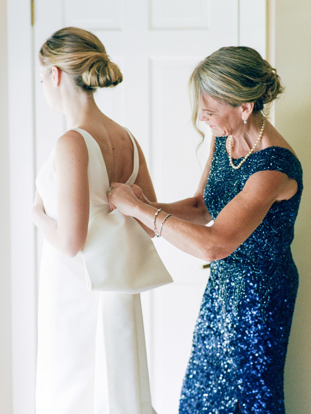 Manchester Vermont Wedding Bride in Carolina Herrera