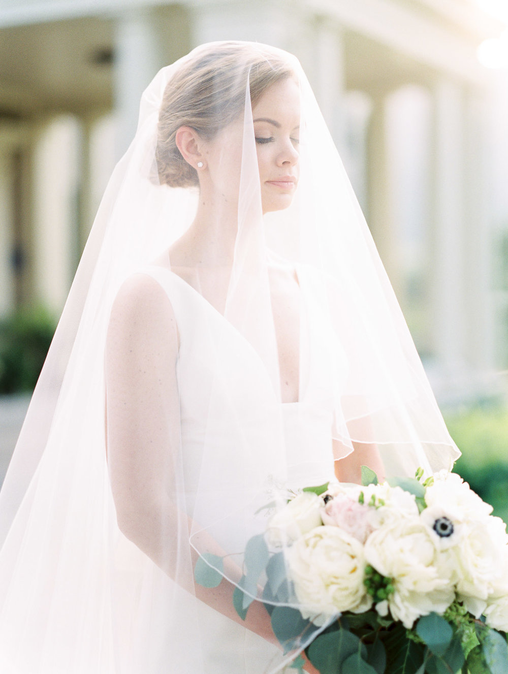 Manchester Vermont Wedding Stunning Bride in Veil