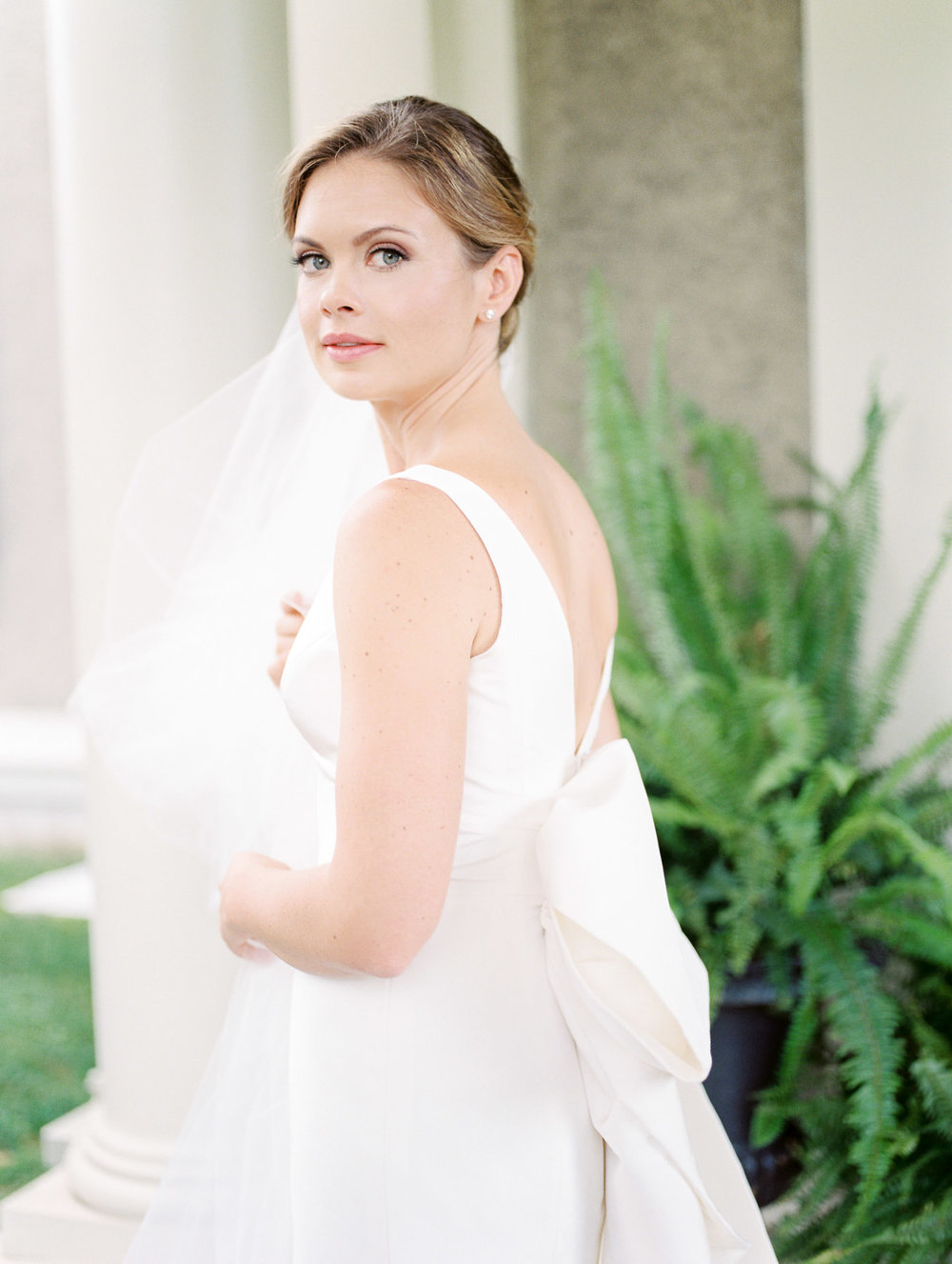 Manchester Vermont Wedding Beautiful Bride in Carolina Herrera