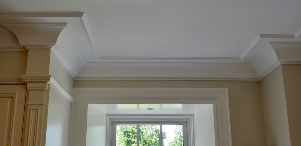crown moulding trim detail.jpeg