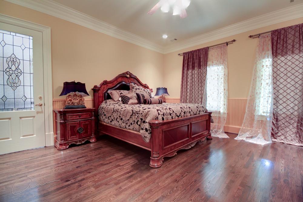 guest bedroom left wing upper level.jpg