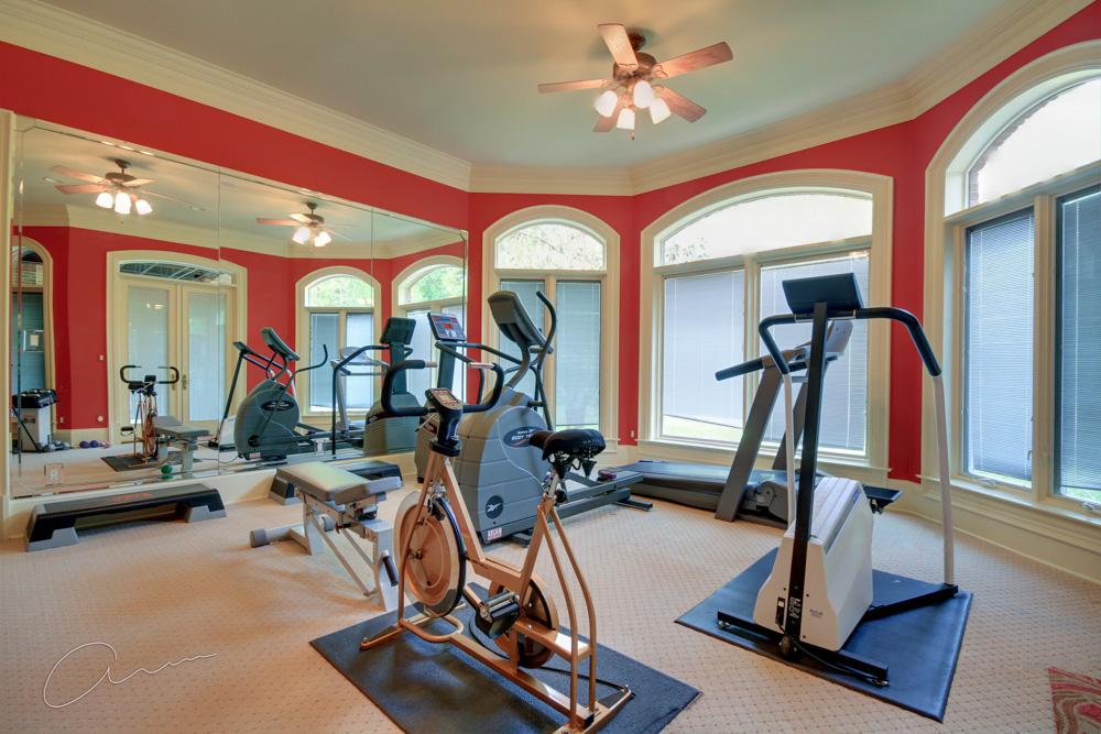 gym lower level.jpg
