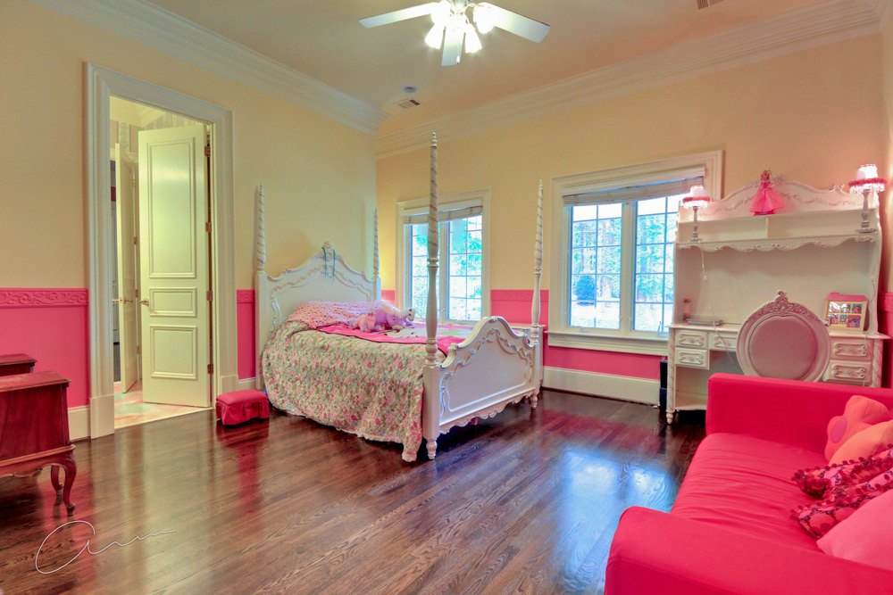 girls bedroom1.jpg