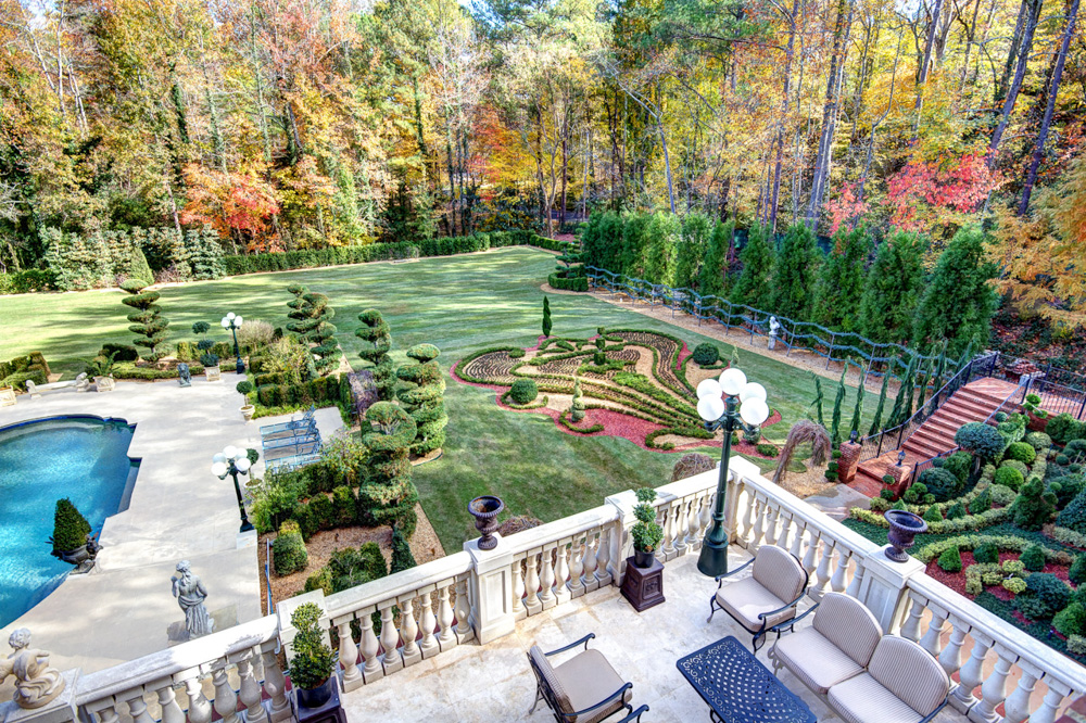 southeast parterre pocket garden partial pool.jpg