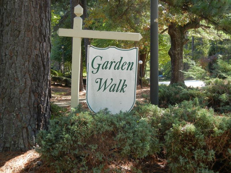 Garden Walk2011 024.jpg