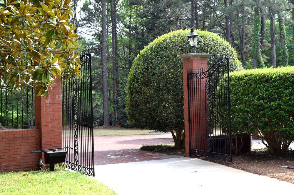 2. Main gate.jpg