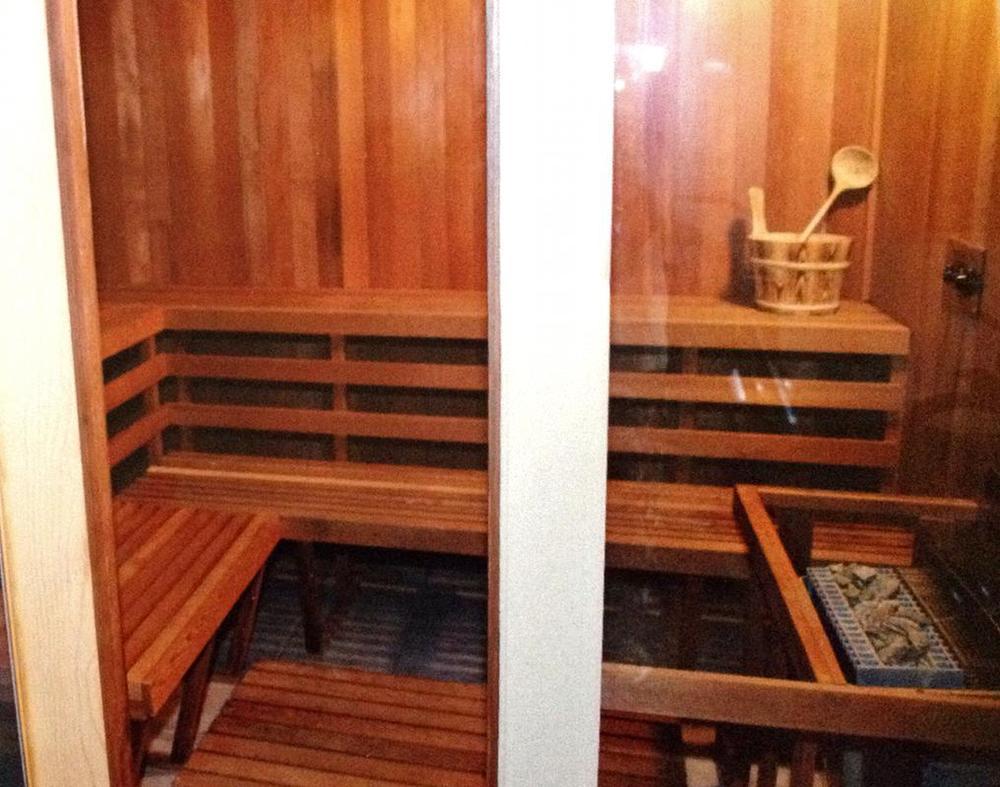 20. Sauna.jpg