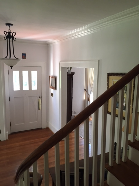 Foyer3.JPG