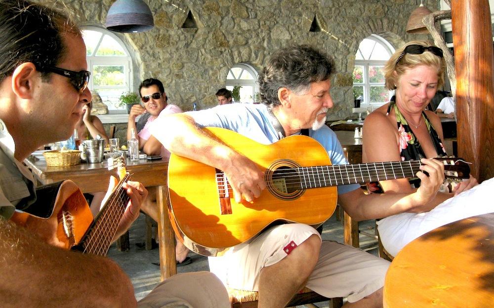 Taverna Musicians.JPG