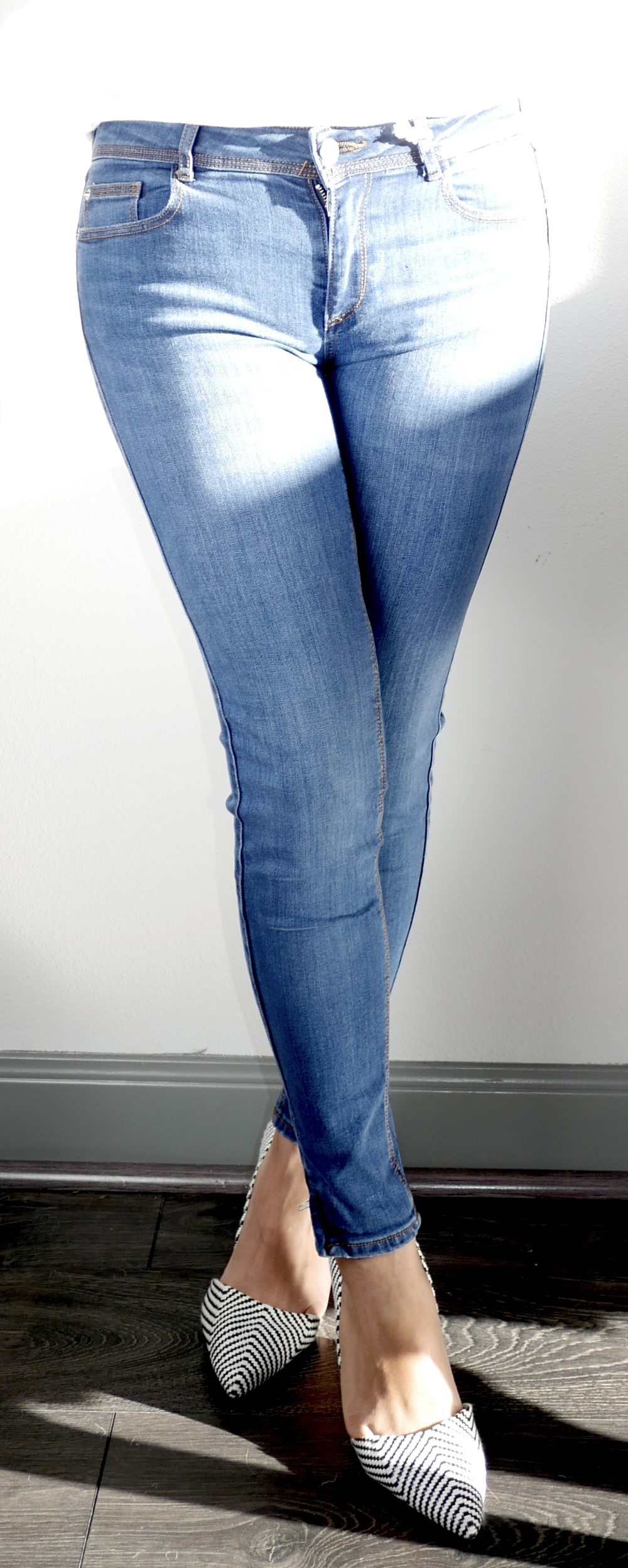Mid-Rise Zipped Hem Jeans from Zara