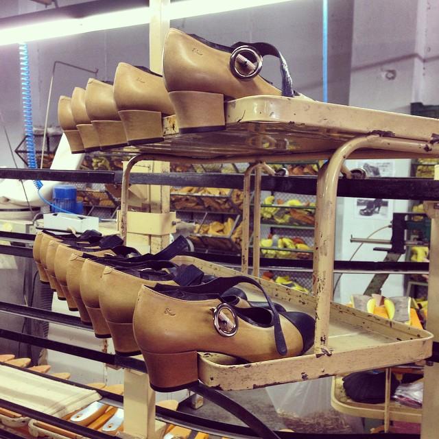Visita a fábrica. Modelo Gloria navy / mustard